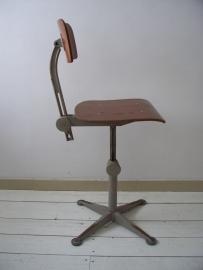 Industriele stoel van Arend de Cirkel sold