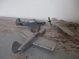 Vintage speelgoed vliegtuigjes
