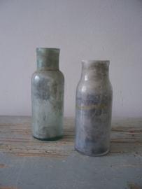 Oude kleine flesjes uit Frankrijk SOLD