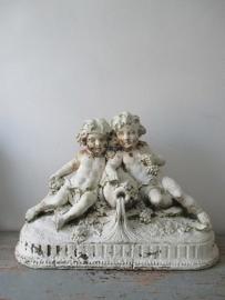 Antiek Frans beeld met engelen SOLD