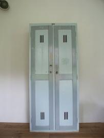 Industriele houten locker (dubbel) SOLD
