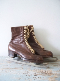 Antieke leren schaatsen SOLD