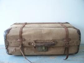 Oude Franse linnen koffer SOLD