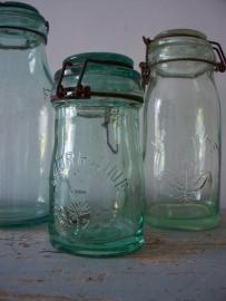 Oude glazen pot lorrraine