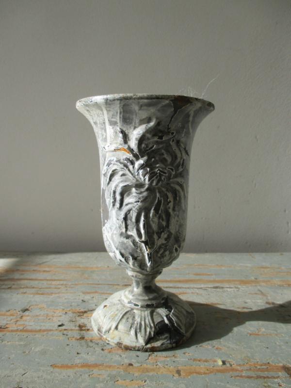 Antiek Frans tuinvaasje