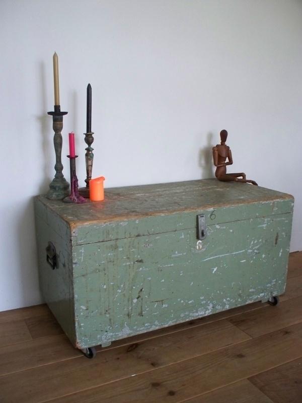 Kist Salon Tafel.Grote Kist Salontafel Sold Sold Sjebbiez