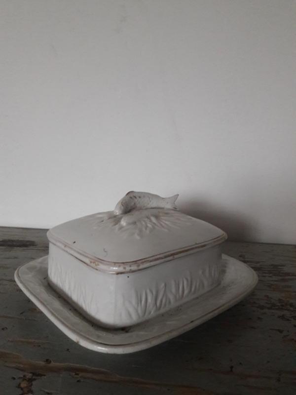 Oude schaal met deksel / haringschaal