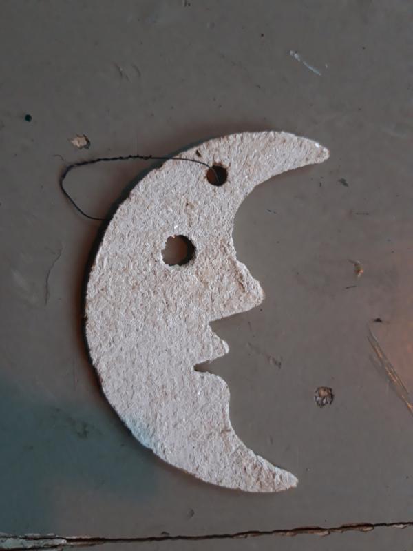 Oud papieren kerstornamentje maan