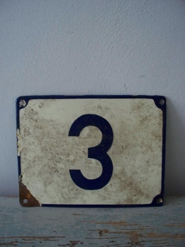 Oude emaille huisnummer NR 3 SOLD