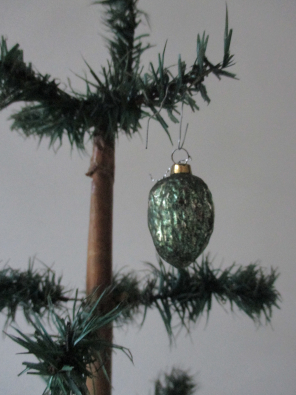 Oude antieke kerstbal walnootje SOLD