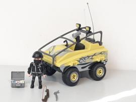 Gangster in amfibievoertuig (12053)