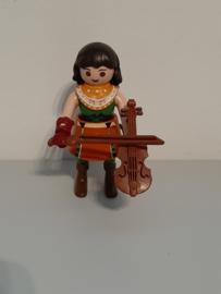Vrouw met viool (18)