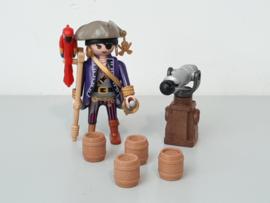 Piraat met kruk (13666)