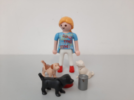 Vrouw met hondjes (13853)
