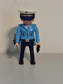 Agente (13)
