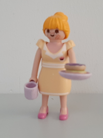 Vrouw met donuts (13)