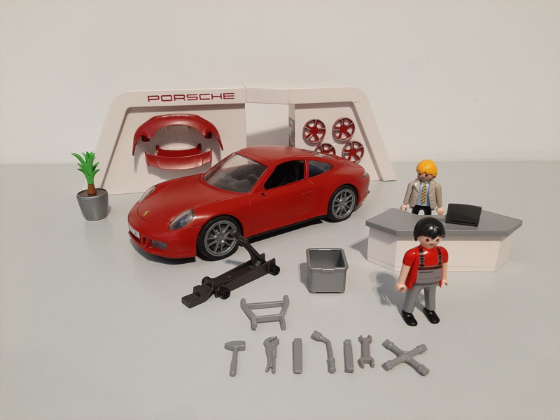 Porsche 3911 (13585)