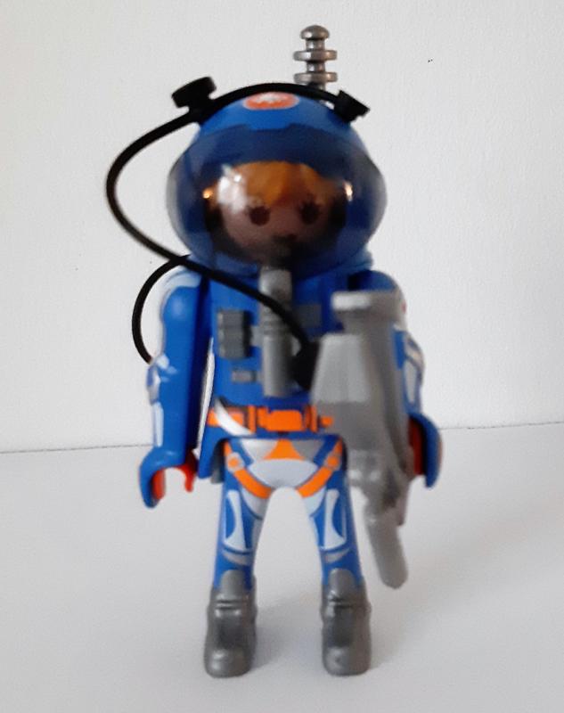 Astronaut (21)