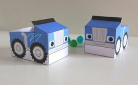 Blauwe Monsterwielen traktatie auto