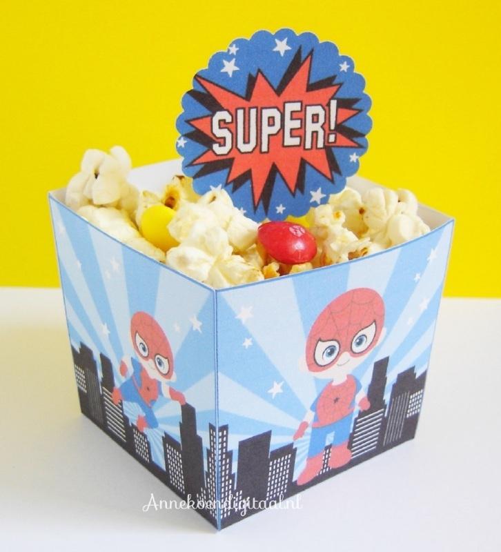 Superheld Spiderman traktatie snack box