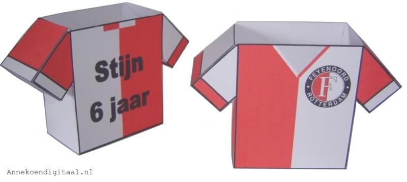 Feyenoord voetbalshirt traktatie
