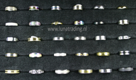 Diverse RVS ringen 30 stuks 1086
