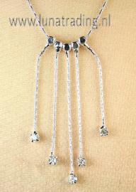 7149  Collier met hanger. (3 stuks)