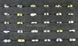 Diverse RVS ringen 30 stuks 1083