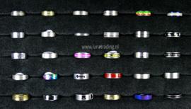 Diverse RVS ringen 30 stuks 1097