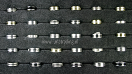 Diverse RVS ringen 30 stuks 1071