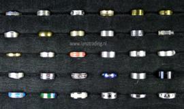 Diverse RVS ringen 30 stuks 1095