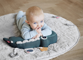 Tummy Time activity toy Croco groen | Done by Deer
