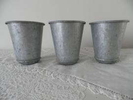 3 Kleine brocante zinken potjes VERKOCHT