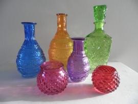 Set van 6 gekleurde glazen flessen/waxinehouder (1) VERKOCHT