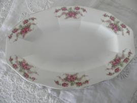 Porseleinen ovale schaaltjes met bloemmotief