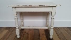 Wit houten tafeltje VERKOCHT