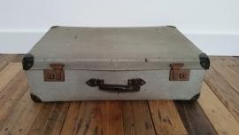 Groen verweerd oud koffer