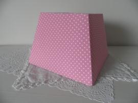 Roze met witte stippen lampenkapje