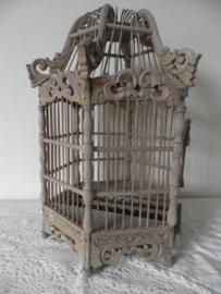 Oud houten mooi uitgewerkt vogelkooi VERKOCHT