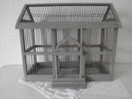 Oude grote houten vogelkooi VERKOCHT