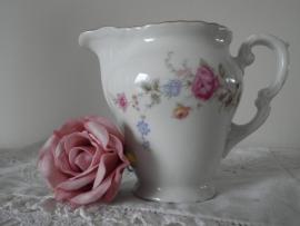 Brocant melkkannetje met roosjes VERKOCHT