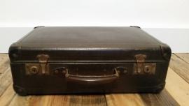 Klein bruin oud koffertje