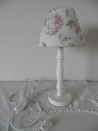 Wit lampenpootje met wit met roze bloemen lampenkapje VERKOCHT