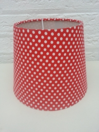 Rood met kleine witte stipjes lampenkapje
