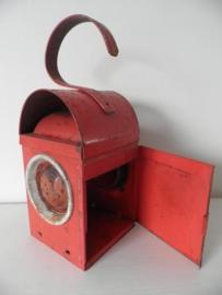Rode oude verweerde industriele handlamp VERKOCHT