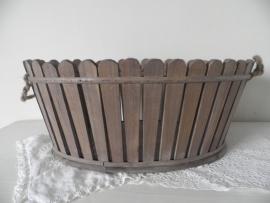 Ovale houten mand met handvatten VERKOCHT