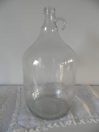 Glazen fles met oor en smalle hals VERKOCHT