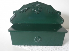 Groen houten bakje met klep VERKOCHT