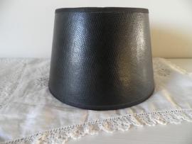 Zwart leerachtig lampenkapje (Klein) VERKOCHT