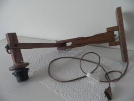 Uitklapbaar houten wandlampje VERKOCHT